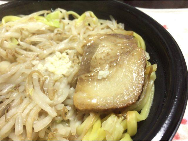 ローソン豚醤油ラーメン
